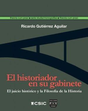 EL HISTORIADOR EN SU GABINETE